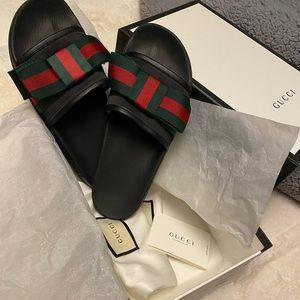 Gucci Pursuit Bow Slide 40